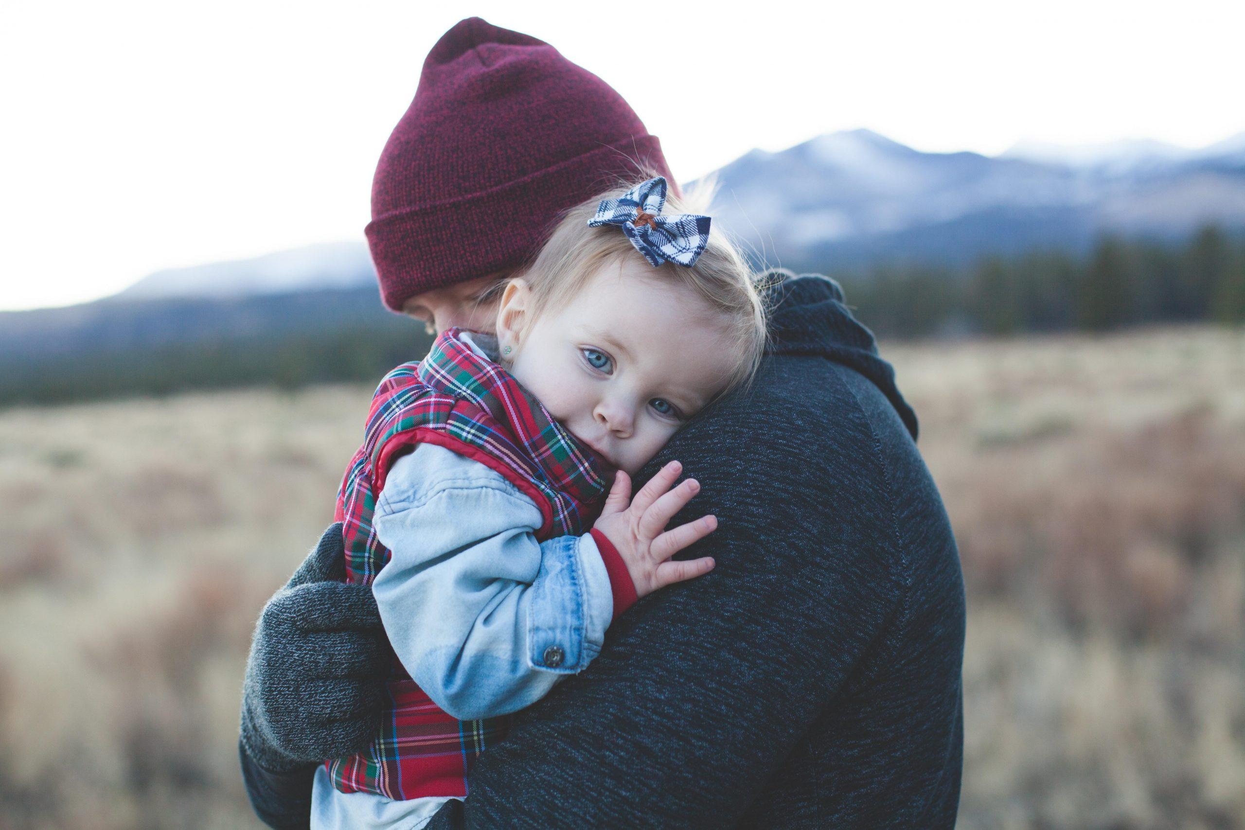 Как успокоить ребёнка, при этом успокоиться самому, задействовав зеркальные нейроны головного мозга?