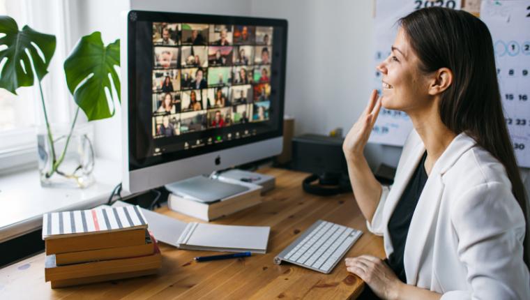 Блогеры и эксперты выступят на родительском онлайн-собрании «Дети и социальные сети»