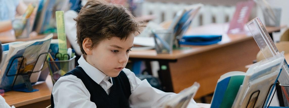 Министр просвещения объяснил, из-за чего падает качество образования