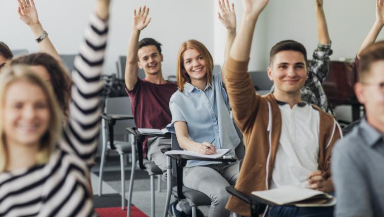 Опрос школьников старших классов: ученики назвали недостающие и лишние школьные предметы по их мнению