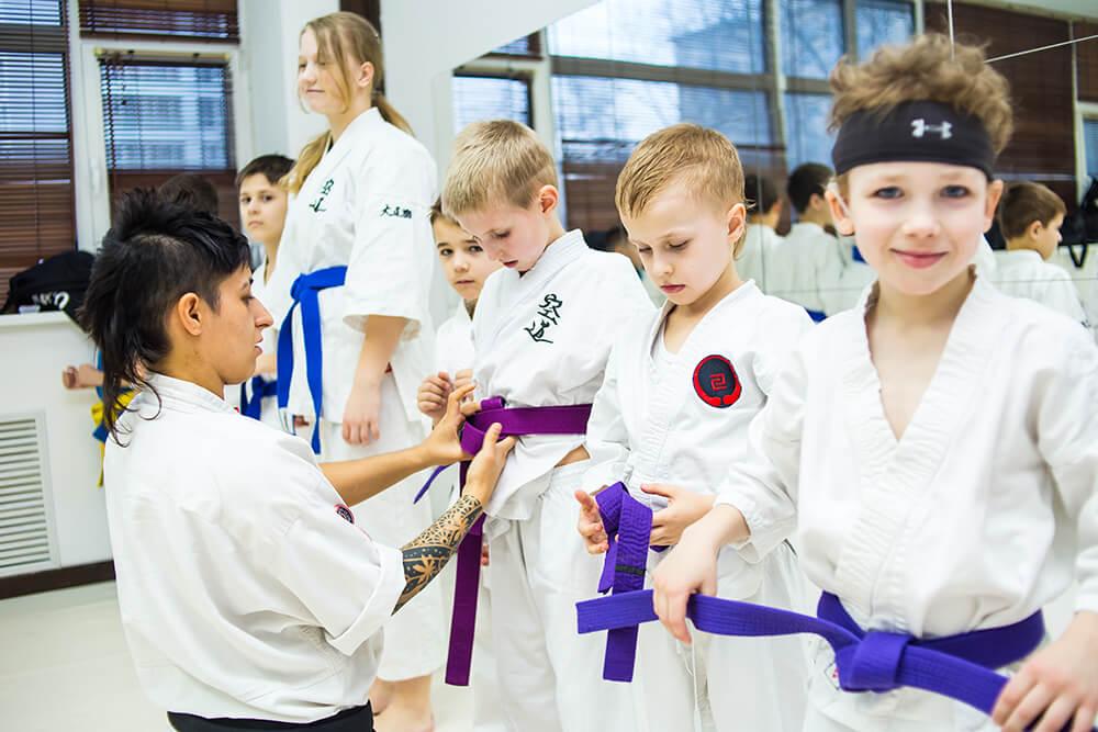 Как Ребенку Защитить Себя: занятия по самообороне с инструктором кудо-клуба «Pride»