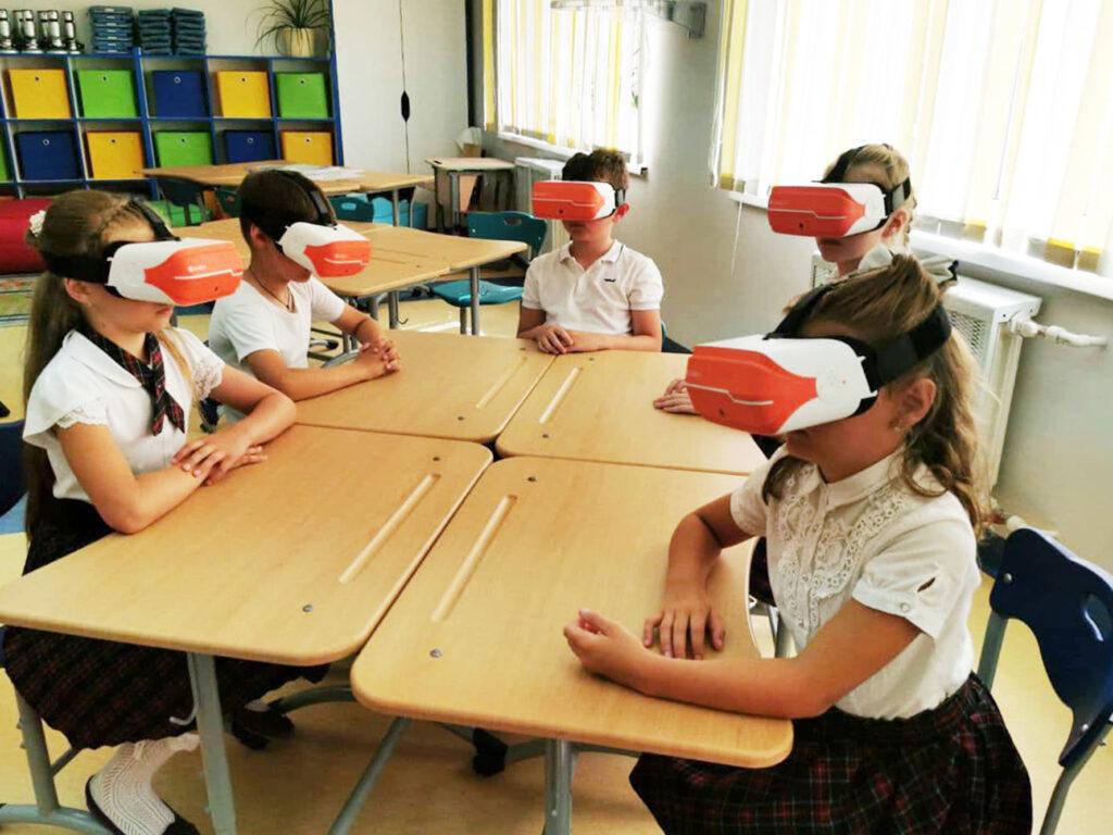 Образовательная экспедиция СОТ в Калининград: обучение в школах