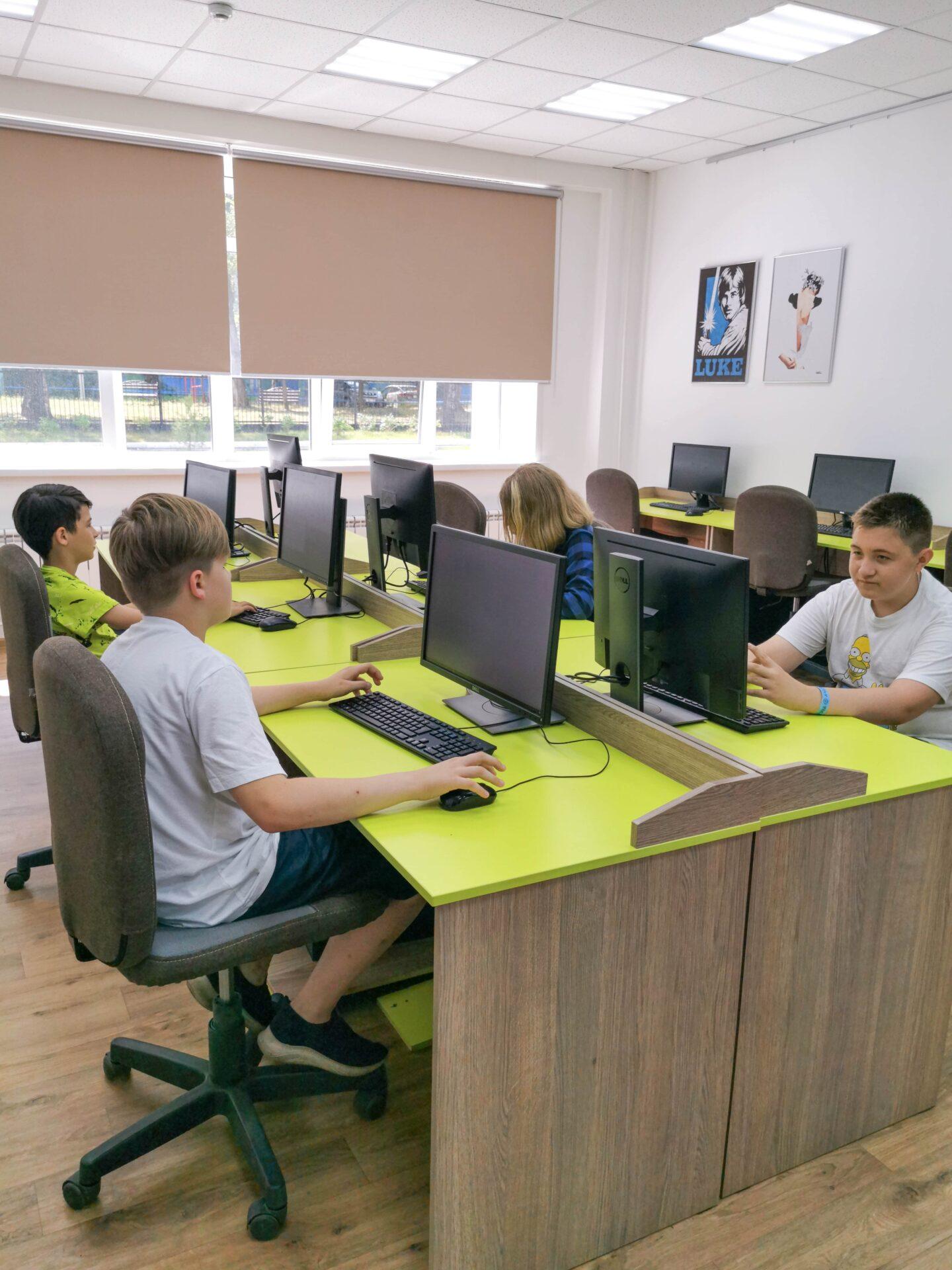 Образовательная экспедиция СОТ в Чувашскую Республику: урок программирования в школе