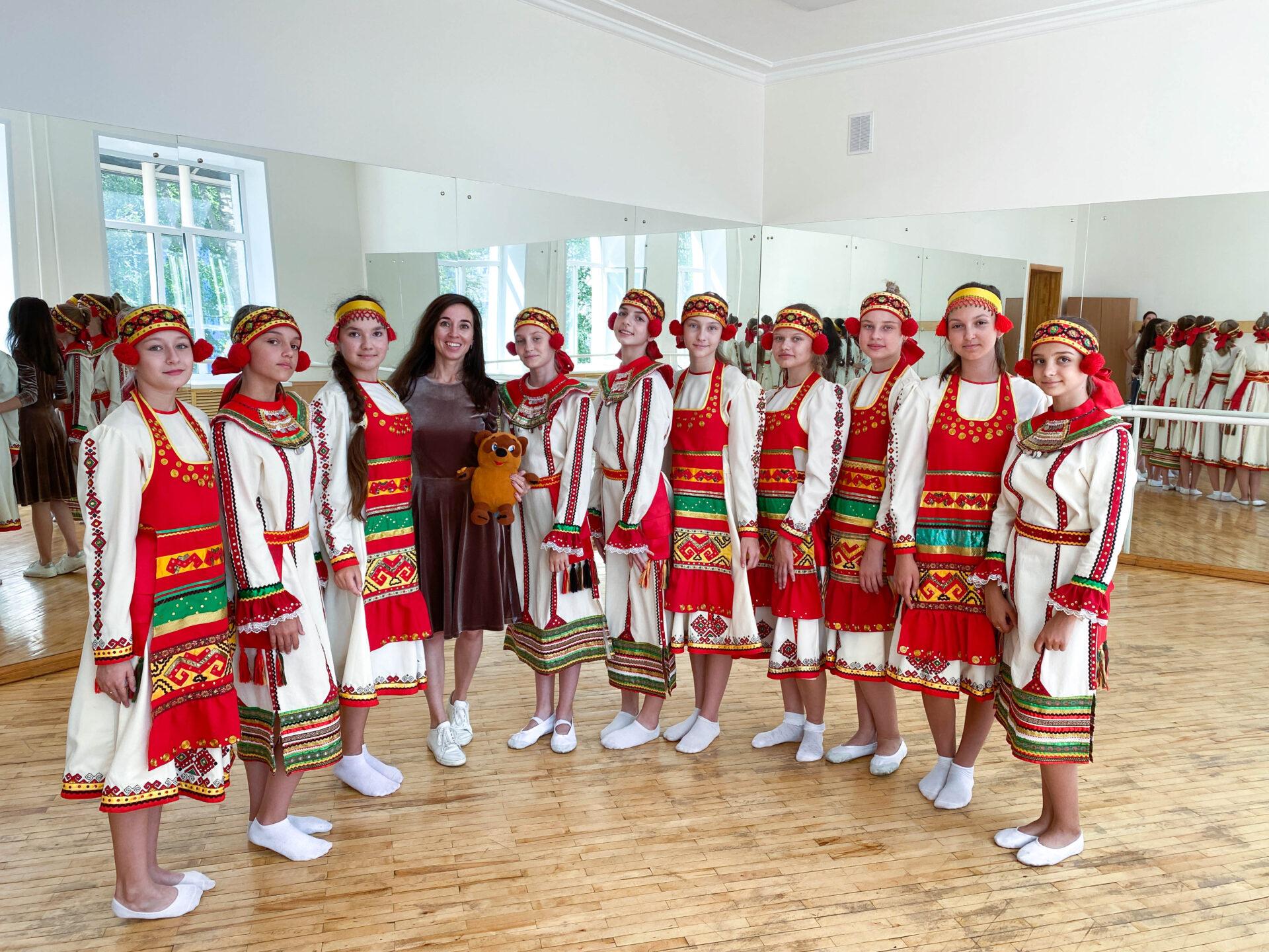 Образовательная экспедиция СОТ в Республику Мордовию: народные танцы в центре образования «Тавла»