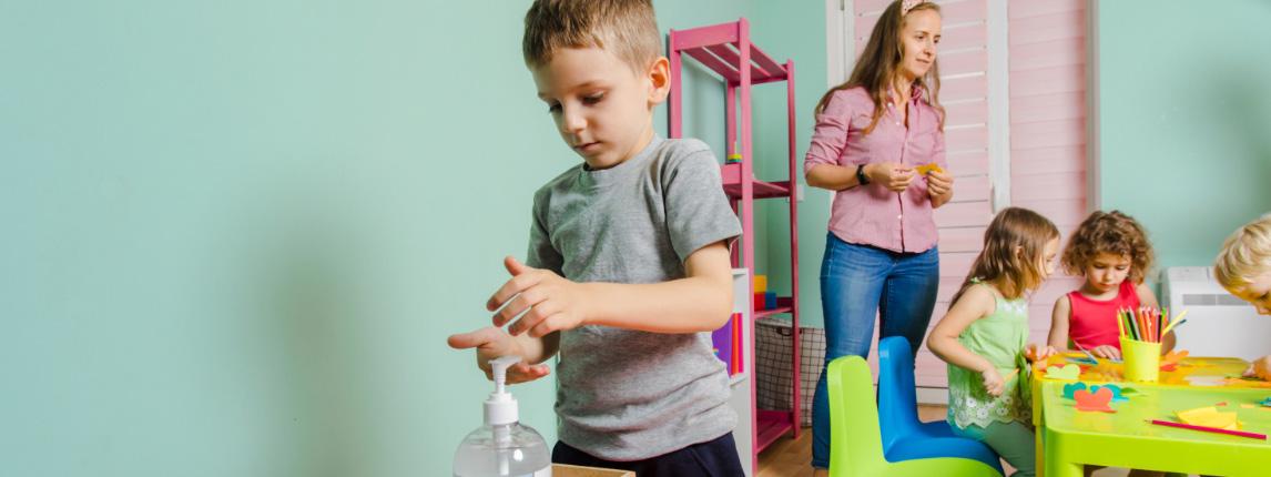 Новый учебный год для школ: изменения в санитарных правилах