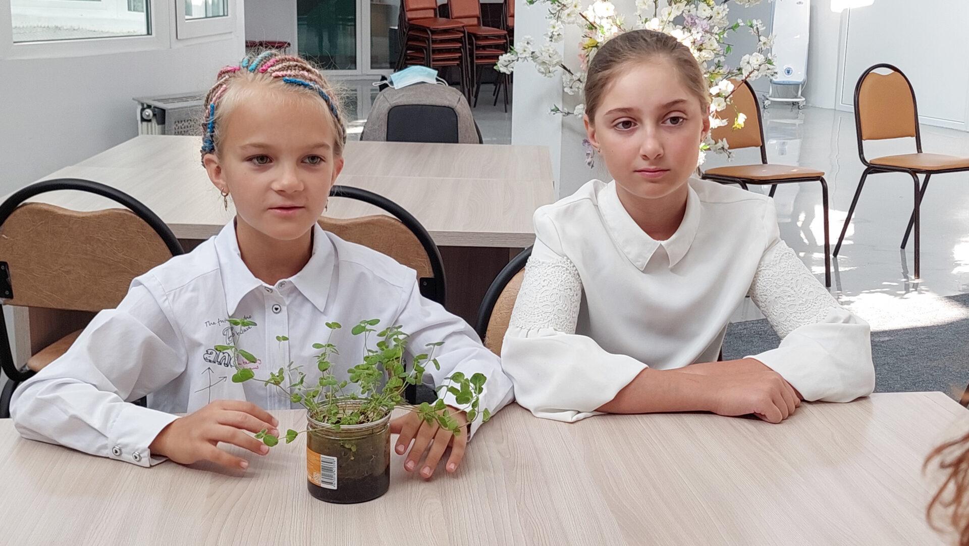 Образовательная экспедиция СОТ в Камчатский край: беседа с ученицами центра образования «Эврика»