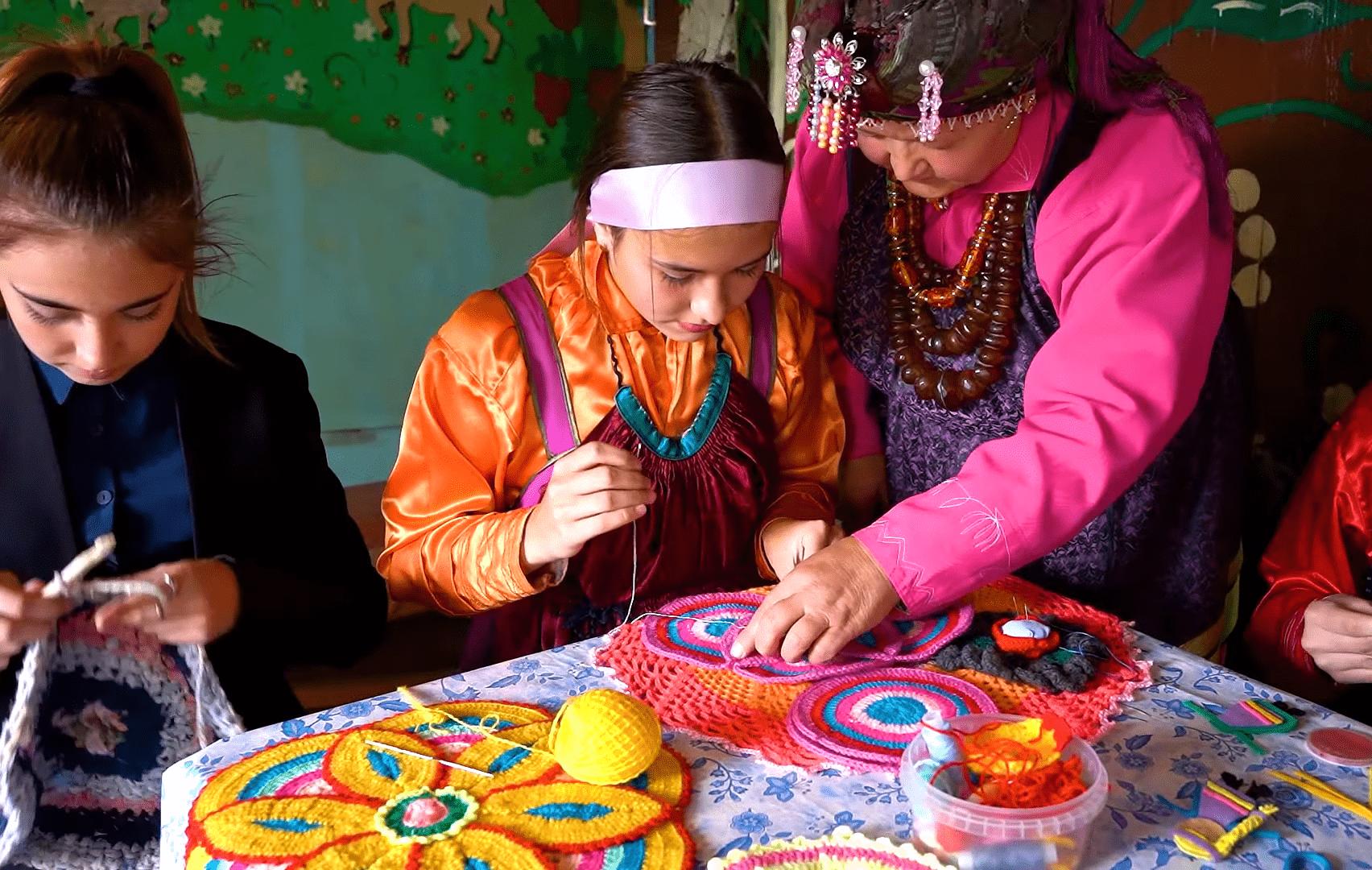 Образовательная экспедиция СОТ в Республику Бурятия: ученики школы декоративного творчества «Дом ремесел»