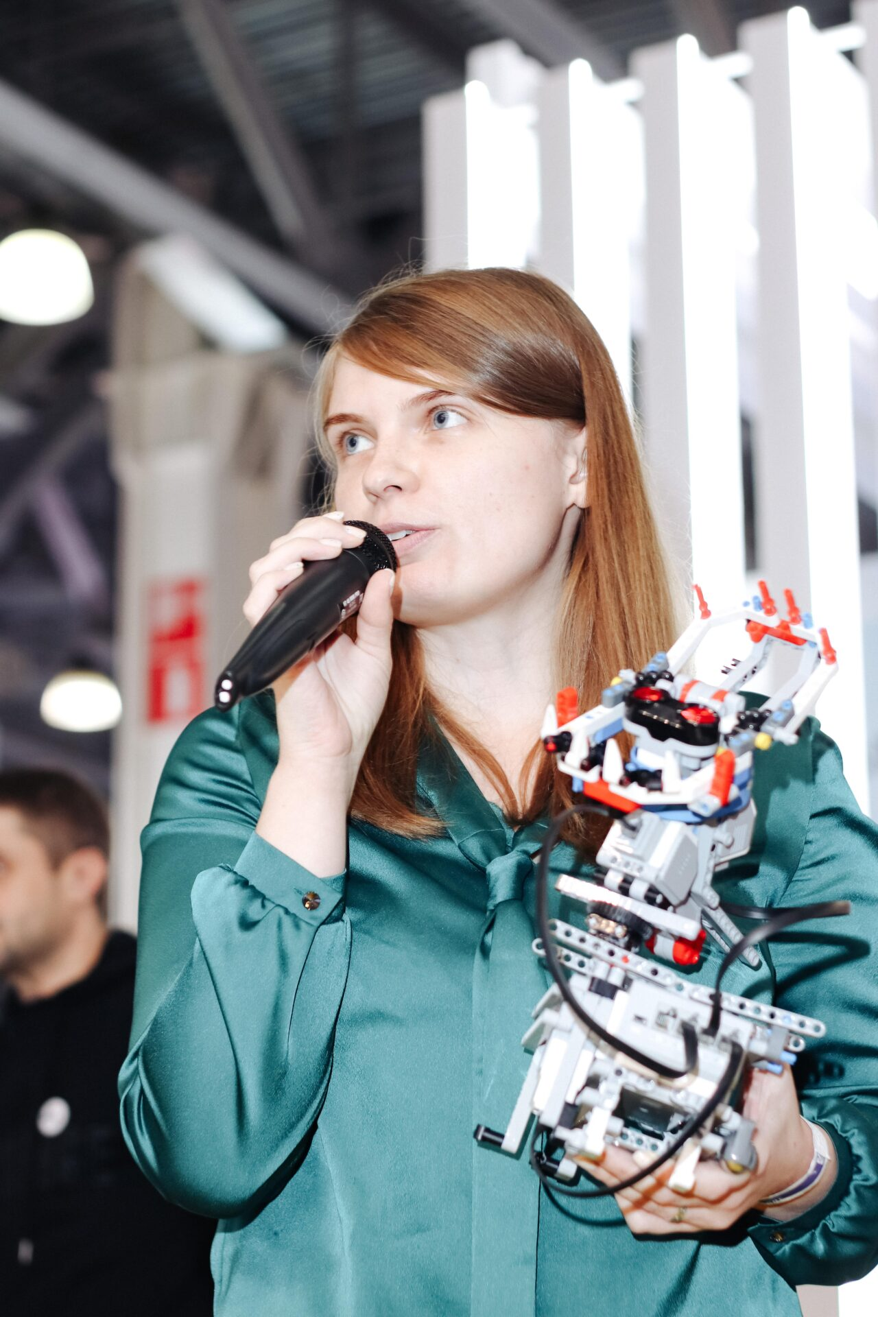 Презентация лиги роботов на стенде Обрсоюза